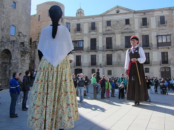 giant dolls Barcelona