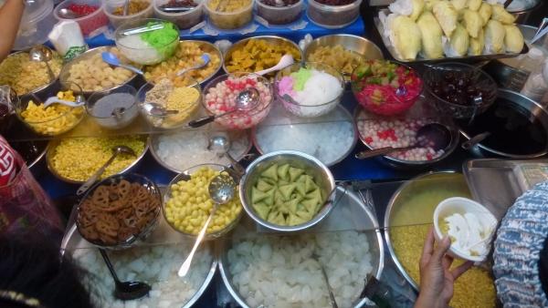 sweet thai dessert khaosan bangkok