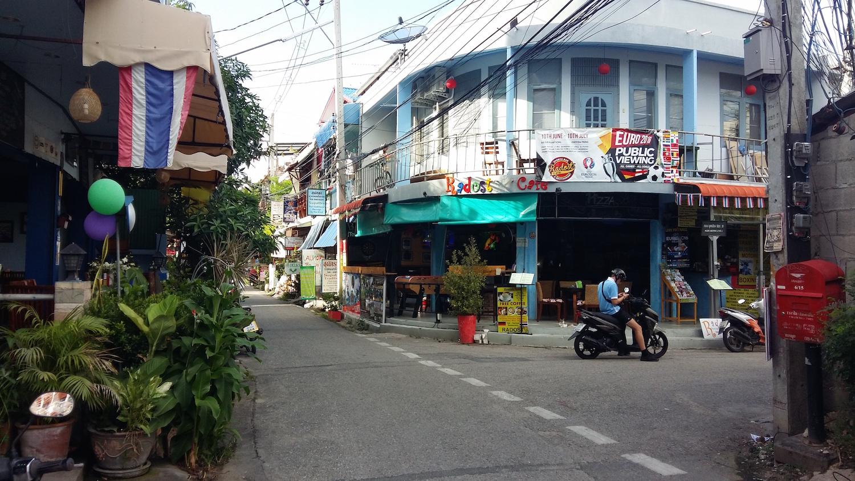 http://www.langeasy.com/images3/bkkchiang/chiangstreets.jpg